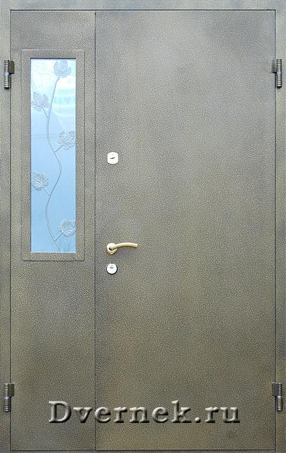входные 2 х створчатые двери со стеклом для загородного дома